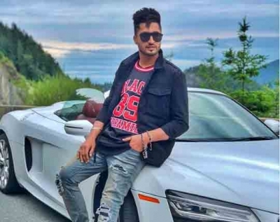 Jassie Gill back with a romantic number.